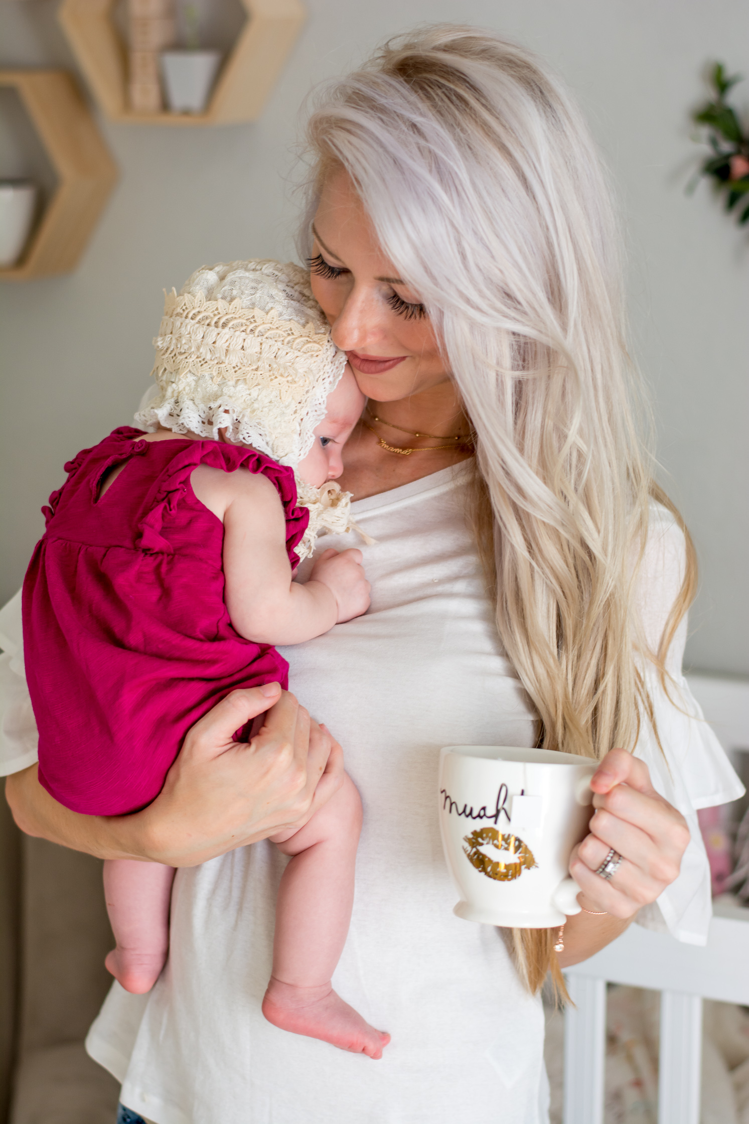 Can a marshmallow breastfeeding mother in the first month and marmalade
