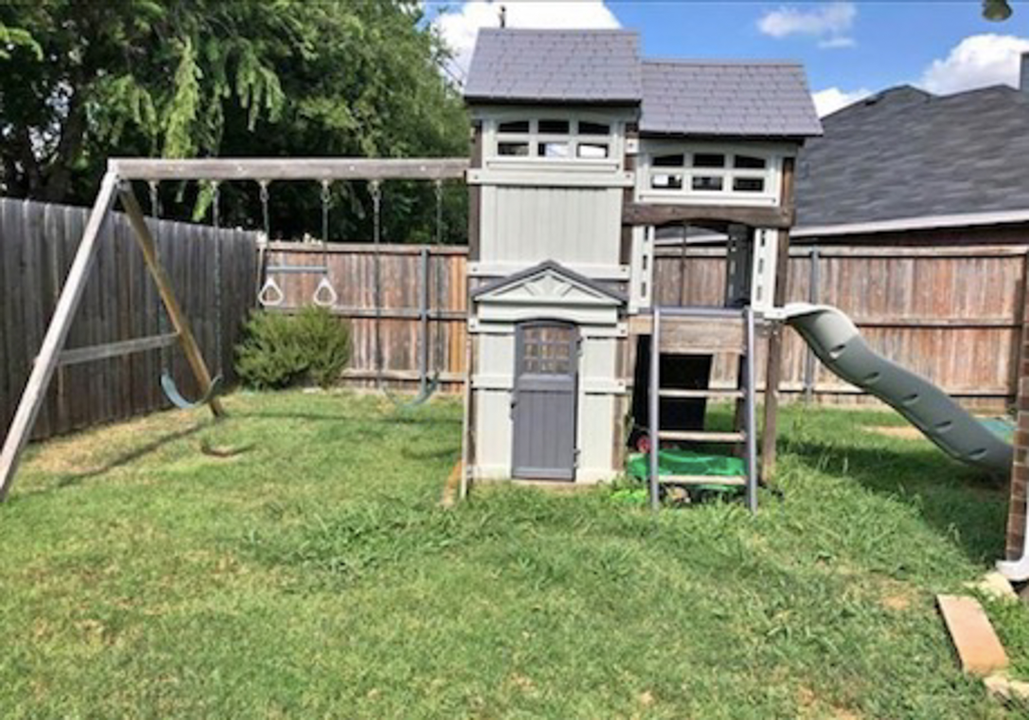 HOME TOUR: Exterior German Smear Before & After! – Hello